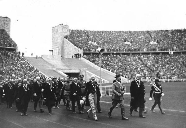 Bundesarchiv_Bild_146-1976-033-17,_Berlin,_Olympische_Spiele