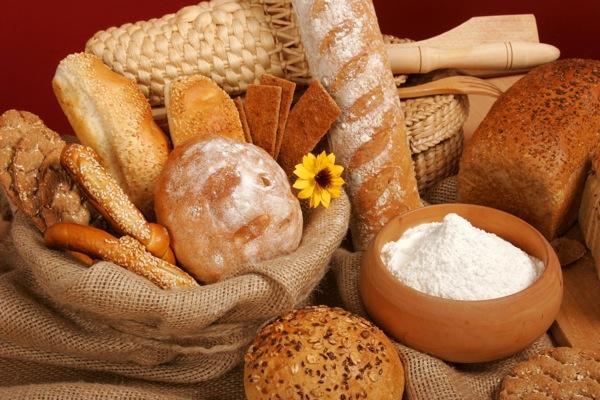 444945_baskets_bread_muffin_flour_flower_korziny_xleb_bul_7008x4672_(www.GdeFon.ru)