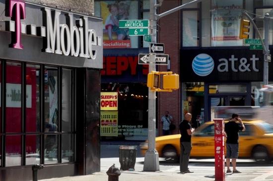 U-S-Files-Antitrust-Complaint-to-Block-ATT-T-Mobile-Deal