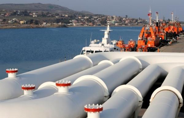 oil-pipes-ceyhan-port-turkey