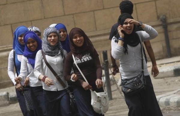 school-girls-walk-street-cairo