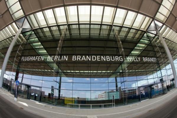 Bauzaeune-am-Hauptstadtflughafen-abgebaut-2-