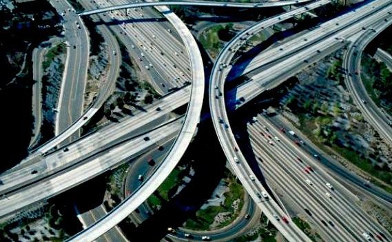pana-unde-te-lasa-politia-sa-te-joci-de-a-schumacher-vezi-limitele-de-viteza-pe-autostrazile-din-europa_size9