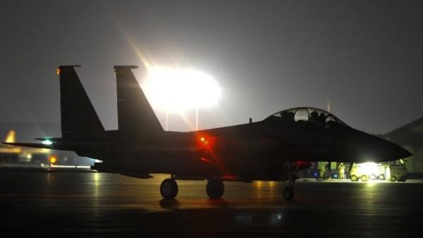 der-einsatz-der-hightech-kampfjets-f-22-raptor-kostet-68-000-dollar-pro-flugstunde