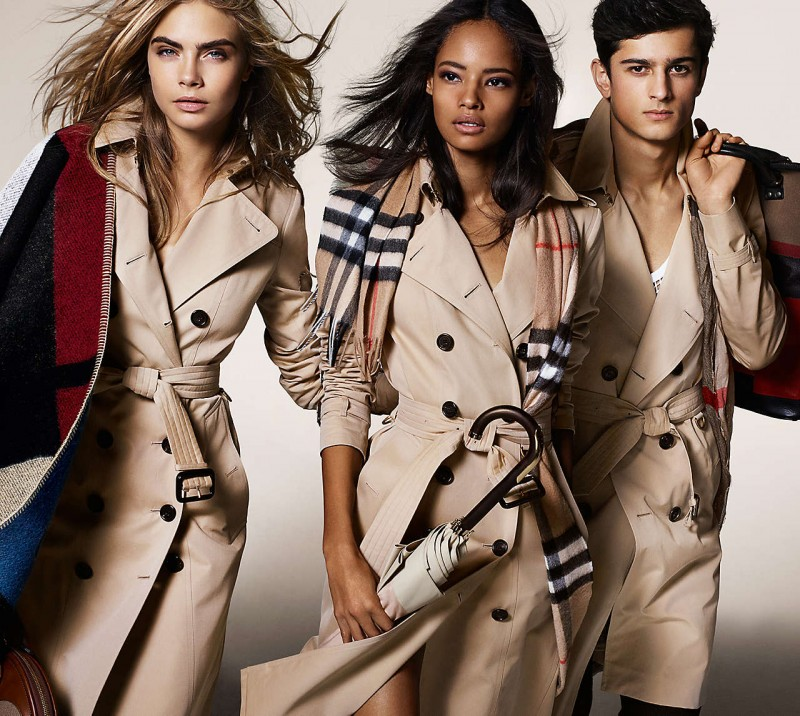 Burberry-Trenches-800x716
