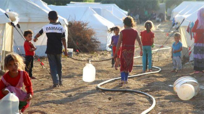 _85467046_refugees