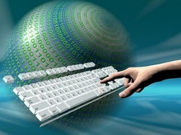 seguridad-cibernetica-teclado-mundo-cibernetico