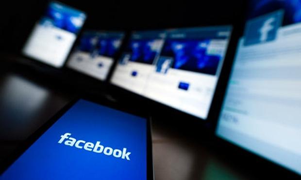 Facebook-accused-of-takin-008