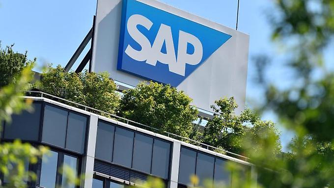 Das-Logo-des-Softwarekonzerns-SAP-in-Walldorf