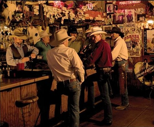 cowboys_at_bar