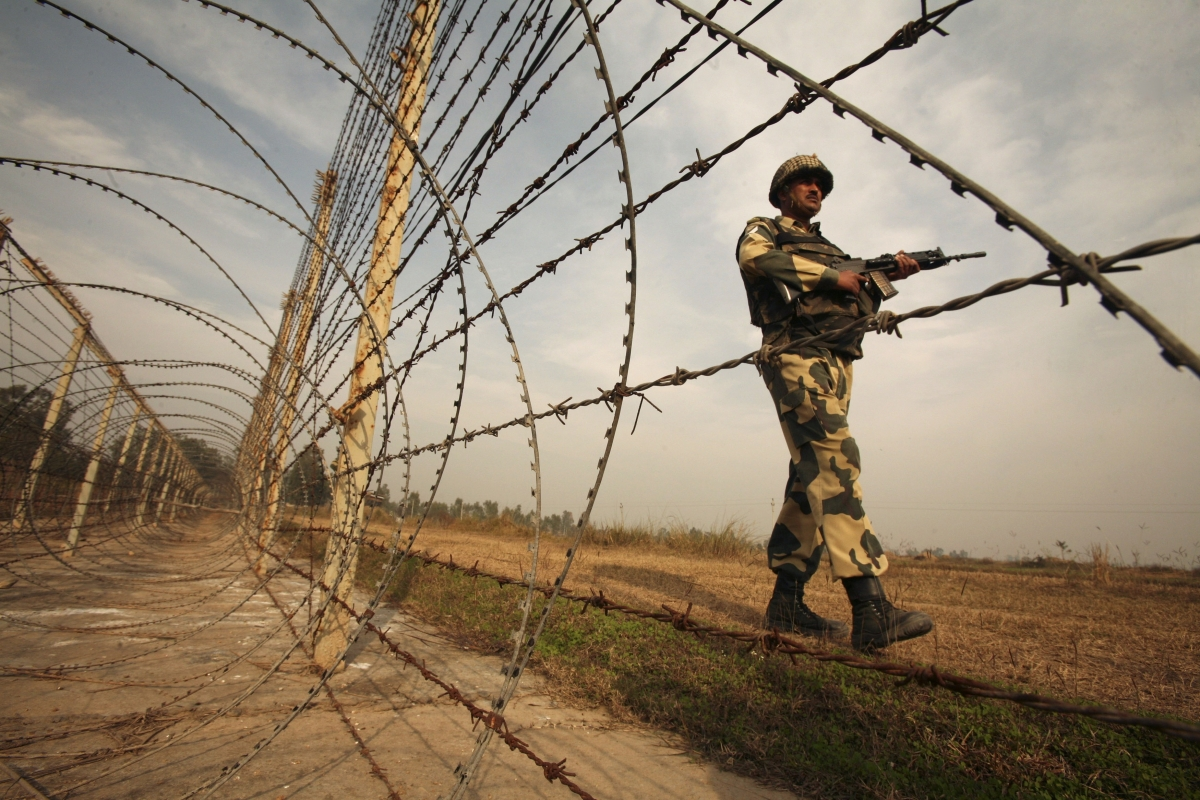 india-laser-beams-pakistan-border