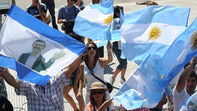 Der-neue-Praesident-Mauricio-Macri-will-den-Schuldenstreit-beenden-und-Argentinien-zurueck-an-die-internationalen-Kreditmaerkte-fuehren