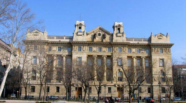 banca-centrala-a-ungariei-465x390