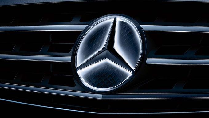Leuchtender-Stern-Mercedes-articleTitle-54c9f04a-664256