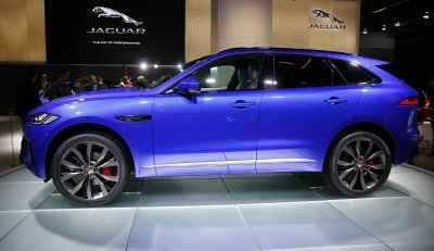 jlrs-jaguar-f-pace-crossover-expected-boost-company-sales-brand-image