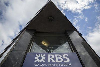 rbs-cut-550-staff-replace-them-robo-advisers