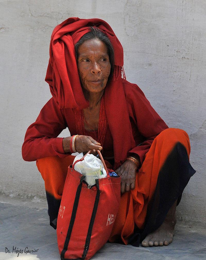 8-Femeie din Nepal (Katmandui) copy