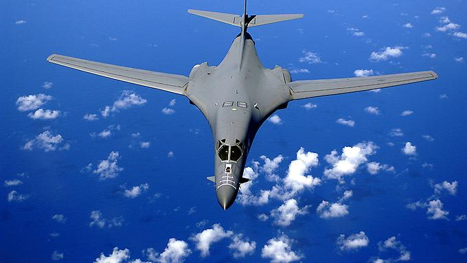 1024px-b-1b-over-the-pacific-ocean