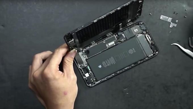 iphone-7-plus-teardown-2