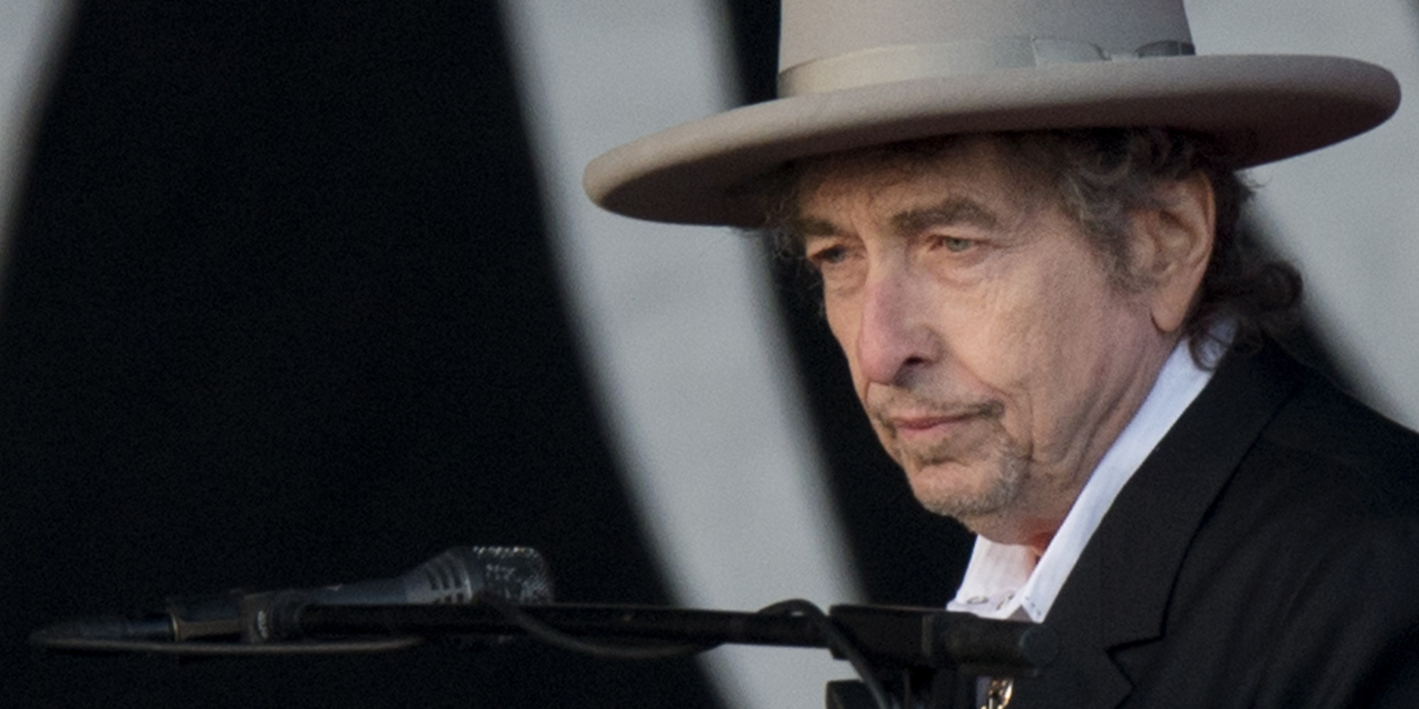 US musician Bob Dylan performs during the second day of the Hop Farm music festival in Paddock Wood, Kent, on June 30, 2012. AFP PHOTO / BEN STANSALL (Photo credit should read BEN STANSALL/AFP/GettyImages)