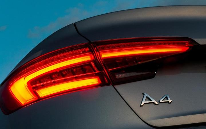 audi-a4-standard-spec-1-xlarge-large_transrwyeuu_h0zbkyvljoo6zlkymapkpjdhylnv9ax6_too