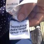 Strigăte de ajutor cusute pe haine