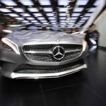 Daimler reduce prețurile în China