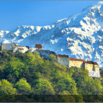 Periculos sau nu, turismul se descentralizeaza