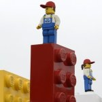 Profitul Lego stimulat de producţia de film