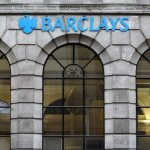 Barclays pune deoparte 500 de milioane de lire sterline