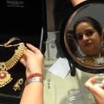India cumpără mai multe bijuterii, dar cererea pentru aur la nivel mondial scade