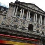 Marea Britanie meţine rata dobânzilor la minimul record de 0,5%