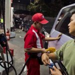 Indonezia ridică prețul la combustibili cu 30%