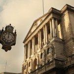 Banca Angliei a votat 7-2 pentru a menţine ratele dobânzilor