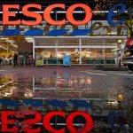 Acțiunile Tesco scad după o avertizare profit