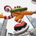 Vanzările globale McDonald's continuă să scadă