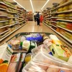 Sabotajul hipermarketurilor asupra micilor comercianti, s-a vazut acum, de sarbatori