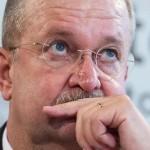 Seful Porsche castiga 100 de milioane de euro