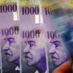 Euro înapoi la un minim de 11 ani versus dolarul american