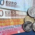 Banca centrală elvețiană capitulează