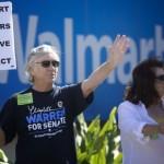 Walmart creşte salariile pentru 500.000 de lucrători din SUA