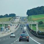 Bine de stiut pentru transportatori, austriecii reduc viteza, iar la noi amenzile scad