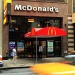 McDonald's creşte salariile pentru 90.000 de angajați din SUA