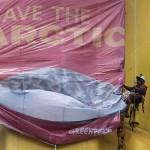 Greenpeace părăsește instalația de forare Shell