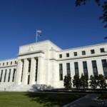 Federal Reserve mentine ratele dobânzii la minim record