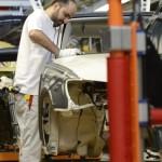 Doar un sfert dintre muncitori globali au locuri de muncă permanente