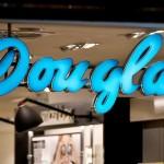 Parfumeriile Douglas, prezente si in Romnia, isi schimba stapinul