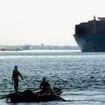 Primele vase trec prin noul canal Suez