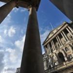 Marea Britanie menţine ratele dobânzilor la minimul record de 0,5%