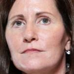 Julie Hamp demisionează după scandalul cu drogurile
